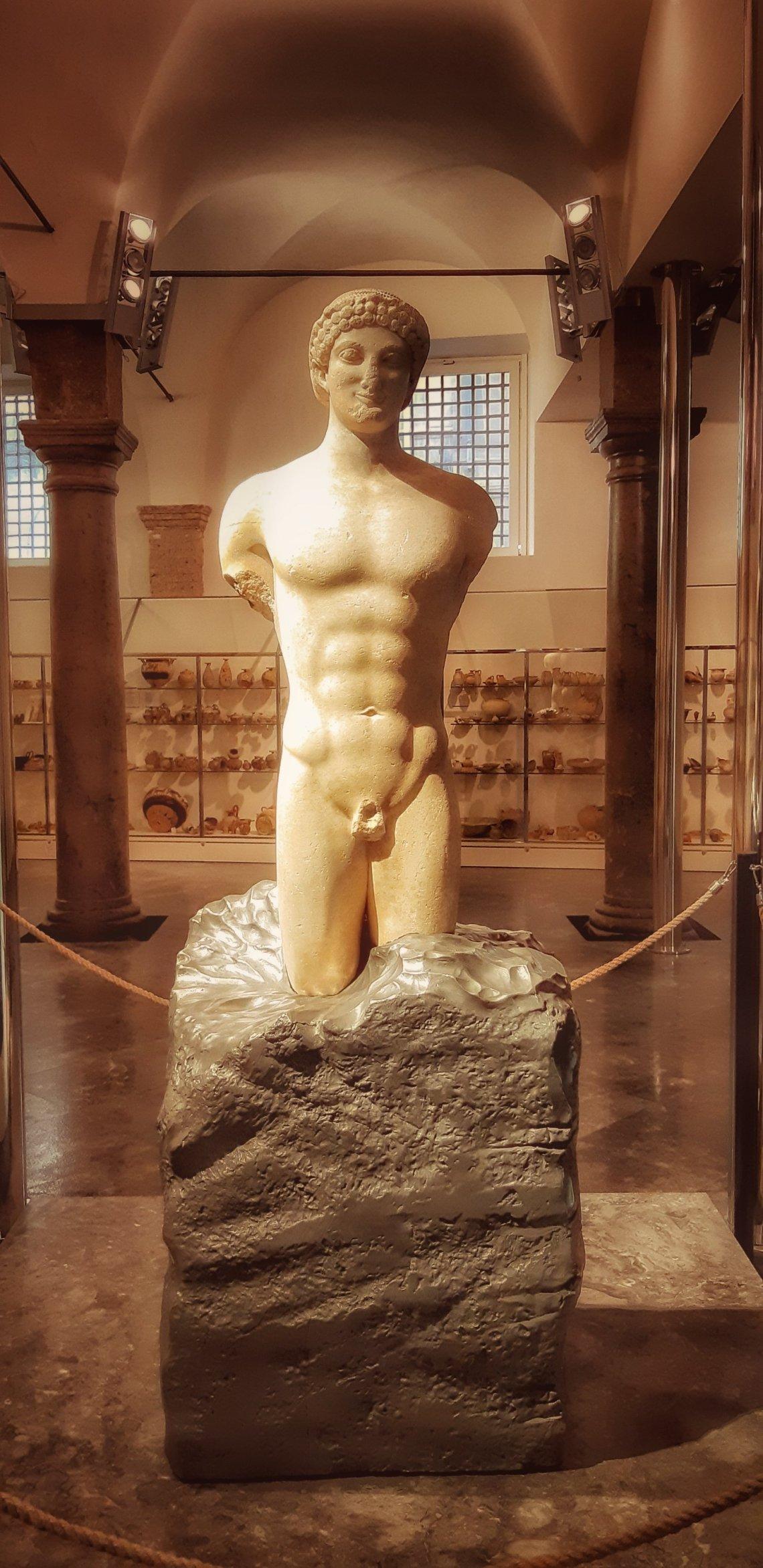 ll kouros ritrovato esposto a Palazzo Branciforte