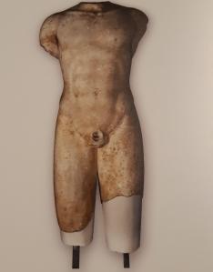 Il torso del Kouros di Lentini prima dell'unione