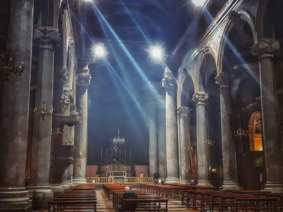 Colonne in grigio di Billiemi a S. Giuseppe dei Teatini