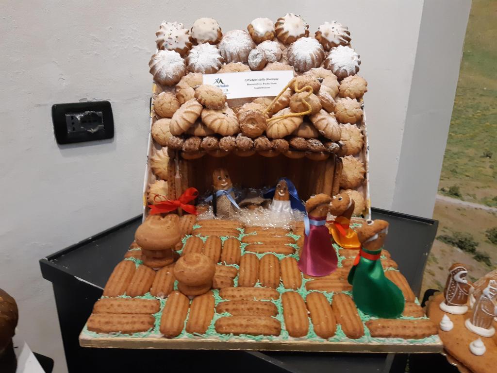 Presepe realizzato con i famosi biscotti di Castelbuono