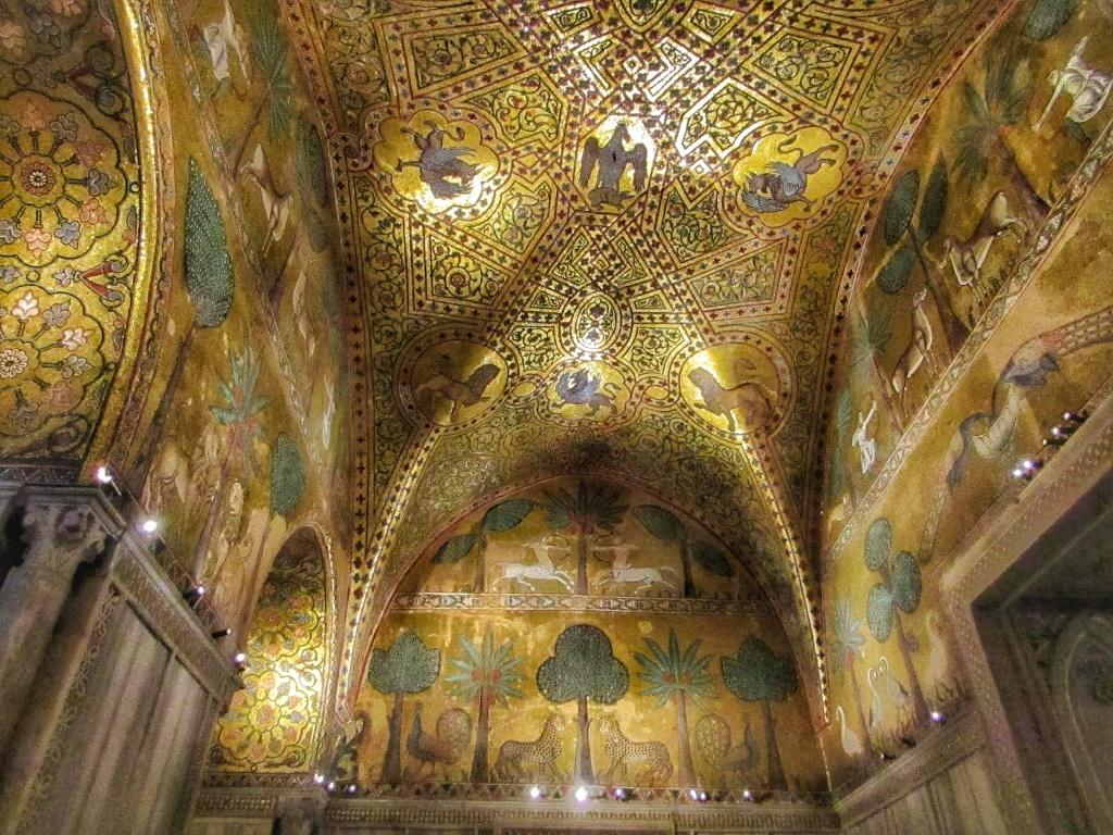 La sala di Ruggero dentro Palazzo dei Normanni